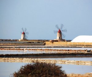 https://www.tp24.it/immagini_articoli/22-02-2019/1550862956-0-frena-turismo-sicilia-regione-punta-programma-eventi-unico-fiere.jpg