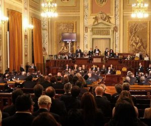 https://www.tp24.it/immagini_articoli/22-03-2019/1553238999-0-mini-riforma-giunte-comunali-lars-vota-assessori.jpg