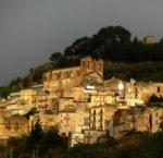 https://www.tp24.it/immagini_articoli/22-04-2018/1524391804-0-calatafimi-festa-ponte-maggio-sicilia.jpg