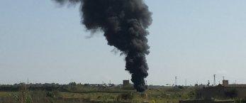 https://www.tp24.it/immagini_articoli/22-04-2018/1524399330-0-marsala-rifiuti-fuoco-nube-nera-citta.jpg