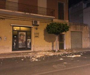 https://www.tp24.it/immagini_articoli/22-04-2019/1555923021-0-marsala-danni-maltempo-crolli-calcinacci-notte-salemi.jpg