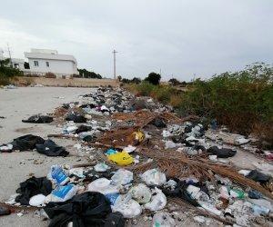 https://www.tp24.it/immagini_articoli/22-07-2020/1595453581-0-marsala-e-le-discariche-abusive-la-denuncia-di-konsumer-sicilia.jpg