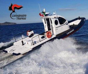 https://www.tp24.it/immagini_articoli/22-07-2021/1626961707-0-favignana-turisti-alla-deriva-salvati-dai-carabinieri.jpg