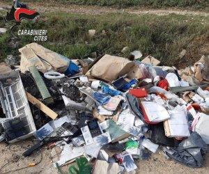 https://www.tp24.it/immagini_articoli/22-09-2021/1632306162-0-rifiuti-abbandonati-in-aree-protette-denunce-e-multe-a-trapani.jpg