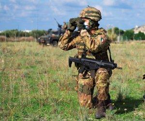 https://www.tp24.it/immagini_articoli/22-11-2020/1606059419-0-trapani-si-e-concluso-nbsp-l-addestramento-dell-esercito-italiano-con-la-brigata-aosta.jpg