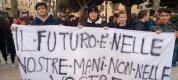 https://www.tp24.it/immagini_articoli/23-02-2019/1550903735-0-immagini-manifestazione-studenti-ieri-trapani.jpg