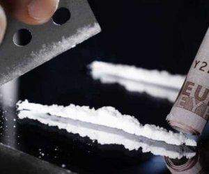 https://www.tp24.it/immagini_articoli/23-02-2019/1550931929-0-aveva-grammi-cocaina-erano-personale-assolto-petrosileno.jpg