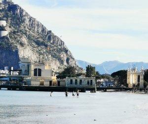 https://www.tp24.it/immagini_articoli/23-02-2020/1582486490-0-sicilia-giornata-primaverile-primi-bagni-mondello.jpg