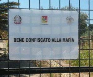https://www.tp24.it/immagini_articoli/23-02-2021/1614039592-0-dossier-beni-confiscati-il-costo-della-legalita-e-uno-stato-distratto-il-caso-sicilia.jpg