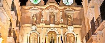 https://www.tp24.it/immagini_articoli/23-03-2019/1553356966-0-trapani-consiglio-comunale-approva-clausola-antifascista-larredo-urbano.jpg