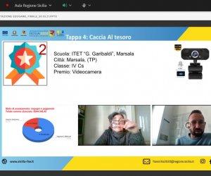 https://www.tp24.it/immagini_articoli/23-04-2021/1619159531-0-marsala-i-garibaldi-s-whatchers-dell-itet-sul-podio-del-progetto-edugame.jpg