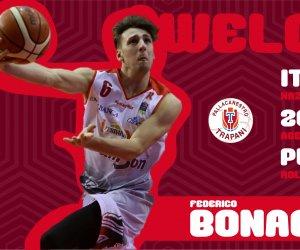 https://www.tp24.it/immagini_articoli/23-06-2019/1561301499-0-basket-play-trapani-arrivo-reggio-emilia-federico-bonacini.jpg