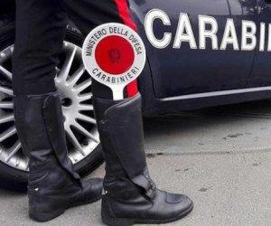 https://www.tp24.it/immagini_articoli/23-08-2019/1566560887-0-valderice-matto-colpisce-carabiniere-sedia-arrestato-giovane.jpg