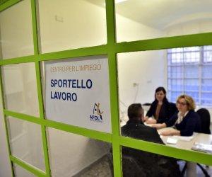 https://www.tp24.it/immagini_articoli/23-10-2019/1571843148-0-reddito-cittadinanza-sono-200mila-assegni-sicilia.jpg