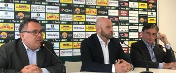 https://www.tp24.it/immagini_articoli/23-10-2019/1571846898-0-luca-nember-direttore-sportivo-trapani-calcio-esonerato-rubino.jpg