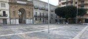 https://www.tp24.it/immagini_articoli/23-11-2020/1606150621-0-la-piazza-della-discordia.jpg
