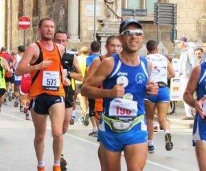 https://www.tp24.it/immagini_articoli/23-12-2014/1419289714-0-atletica-ottime-prove-dei-marsalesi-alla-maratona-di-pisa.jpg