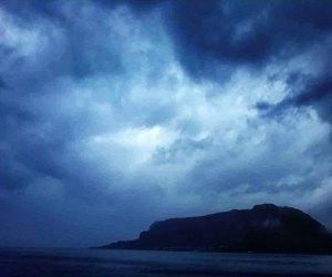 https://www.tp24.it/immagini_articoli/23-12-2019/1577081583-0-bufera-vento-allerta-marsala-trapaani-provincia-saltano-collegamenti.png