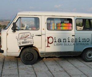https://www.tp24.it/immagini_articoli/24-03-2014/1395642891-0-hanno-rubato-il-furgoncino-di--leggiu-la-libreria-itinerante-siciliana.jpg