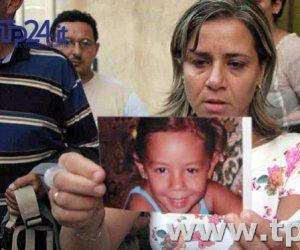 https://www.tp24.it/immagini_articoli/24-03-2017/1490334933-0-denise-pipitone-e-scomparsa-da-12-anni-ma-alla-madre-arriva-la-sua-tessera-sanitaria.jpg
