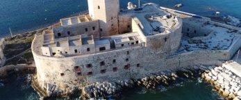 https://www.tp24.it/immagini_articoli/24-03-2021/1616600274-0-trapani-il-recupero-della-colombaia-nel-recovery-found-tranchida-e-d-ali-soddisfatti.jpg
