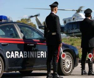 https://www.tp24.it/immagini_articoli/24-04-2019/1556081625-0-importuna-donna-ruba-cellulare-arrestato-carabinieri-partanna.jpg