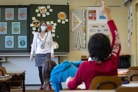 https://www.tp24.it/immagini_articoli/24-05-2020/1590323133-0-scuola-mascherine-e-banchi-a-distanza-ecco-come-si-ricomincia-a-settembre-nbsp.jpg