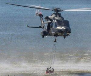 https://www.tp24.it/immagini_articoli/24-07-2018/1532418405-0-incendi-sicilia-ieri-doppio-intervento-elicottero-militare-stanza-birgi.jpg