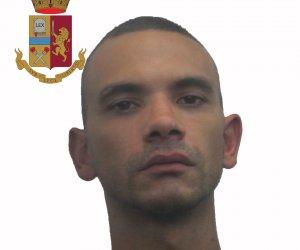 https://www.tp24.it/immagini_articoli/24-08-2019/1566649486-0-maltrattamenti-famiglia-arresto-trapani.jpg
