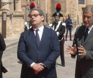 https://www.tp24.it/immagini_articoli/24-10-2019/1571894564-0-vitalizi-micciche-rilancia-musumeci-prese-conti-sicila-spesa-bloccata.jpg