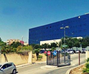 https://www.tp24.it/immagini_articoli/24-10-2020/1603534364-0-ospedale-di-castelvetrano-cgil-e-orgoglio-castelvetranese-incontrano-il-prefetto.jpg