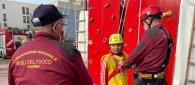 https://www.tp24.it/immagini_articoli/24-10-2021/1635095992-0-pantelleria-alla-festa-dei-pompieri-una-bambina-cade-e-si-ferisce-e-grave.jpg