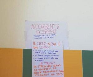 https://www.tp24.it/immagini_articoli/24-11-2019/1574615927-0-marsala-scuola-media-mazzini-assorbenti-solidarieta.jpg