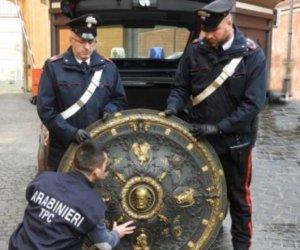 https://www.tp24.it/immagini_articoli/24-12-2019/1577194173-0-offende-carabinieri-dopo-recupero-scudo-garibaldi-giovane-denunciato.jpg