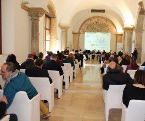 https://www.tp24.it/immagini_articoli/25-02-2019/1551115035-0-trapani-turisti-cosa-lanalisi-annuale-movimento-turistico-provincia.jpg