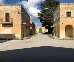 https://www.tp24.it/immagini_articoli/25-02-2020/1582588405-0-trapani-iacp-riceve-finanziamento-borgo-rurale-livio-bassi.jpg