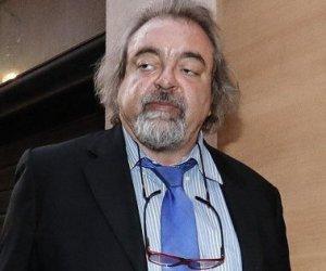 https://www.tp24.it/immagini_articoli/25-05-2020/1590385438-0-il-senatore-siciliano-giarrusso-salva-salvini-dal-processo-ed-entra-nella-lega.jpg