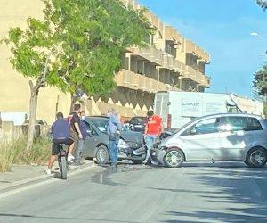 https://www.tp24.it/immagini_articoli/25-05-2021/1621957731-0-incidente-a-marsala-scontro-frontale-tra-due-auto-in-via-istria.jpg