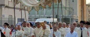 https://www.tp24.it/immagini_articoli/25-06-2019/1561443482-0-nasce-rete-sanitaria-solidale-trapani-lannuncio-vescovo.jpg