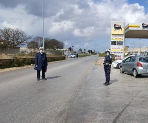https://www.tp24.it/immagini_articoli/25-06-2020/1593089247-0-mazara-intensificati-i-controlli-della-municipale-disinfestazione-a-mazara-due-e-costiera.jpg