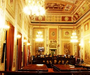 https://www.tp24.it/immagini_articoli/25-06-2021/1624621928-0-immigrazione-approvato-in-commissione-all-ars-nbsp-il-ddl-su-accoglienza-ed-inclusione.jpg