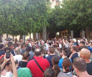 https://www.tp24.it/immagini_articoli/25-07-2021/1627207382-0-trapani-in-200-in-piazza-per-nbsp-protestare-contro-il-green-pass.jpg