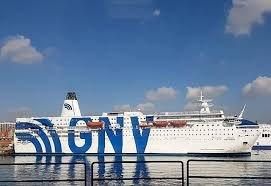 https://www.tp24.it/immagini_articoli/25-08-2020/1598380257-0-chi-sale-e-chi-scende-sulla-nave-quarantena-di-trapani-arrivano-altri-migranti.jpg
