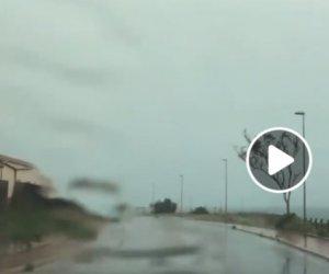 https://www.tp24.it/immagini_articoli/25-10-2019/1571981359-0-marsala-riprende-temporale-lungomare-fulmini-cadono-davanti.jpg
