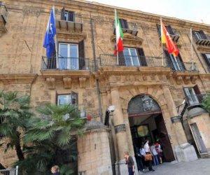 https://www.tp24.it/immagini_articoli/25-10-2020/1603616933-0-sicilia-pronto-il-concorso-alla-regione-per-1300-laureati-e-diplomati.jpg