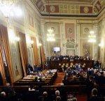 https://www.tp24.it/immagini_articoli/25-11-2017/1511641339-0-sicilia-aumentano-stipendi-impiegati-dellars-fine-dicembre-scade-norma.jpg