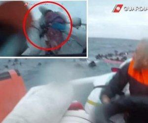 https://www.tp24.it/immagini_articoli/25-11-2019/1574713145-0-video-salvataggio-persone-mare-parte-guardia-costiera-sicilia.jpg