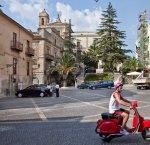 https://www.tp24.it/immagini_articoli/26-02-2016/1456467369-0-comitini-il-micro-comune-siciliano-con-67-dipendenti-e-ha-smesso-di-pagarli.jpg