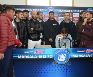 https://www.tp24.it/immagini_articoli/26-02-2020/1582741630-0-conferenza-stampa-giocatori-marsala-calcio-sulle-difficolta-societarie-momento.jpg