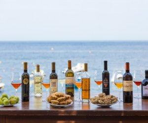https://www.tp24.it/immagini_articoli/26-04-2019/1556262416-0-pantelleria-corso-gratuito-vino-ecco-appuntamenti.jpg